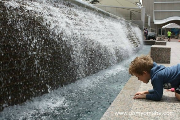 Checking out one of the fountains at Crown Center.